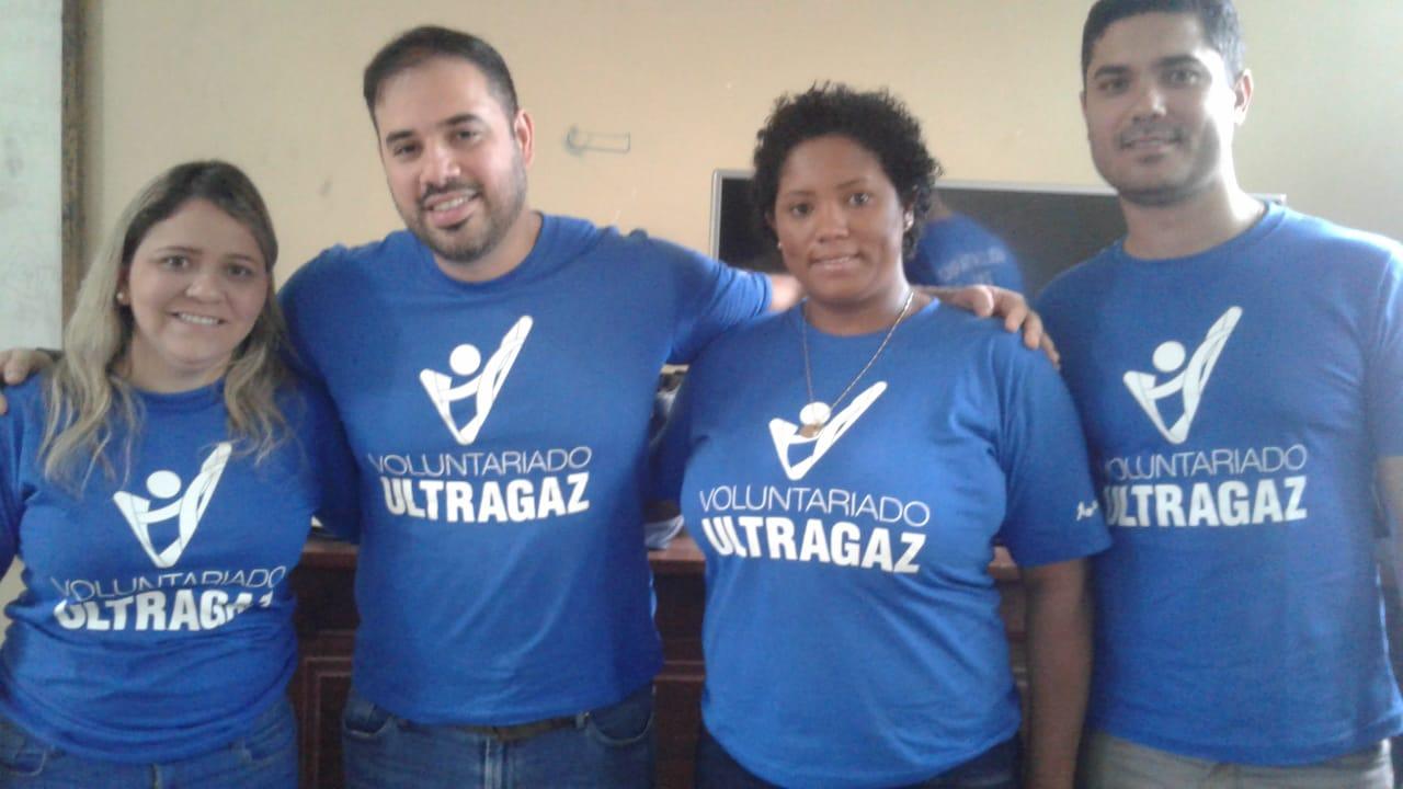 Voluntários da Ultragaz participam da aplicação do CCA