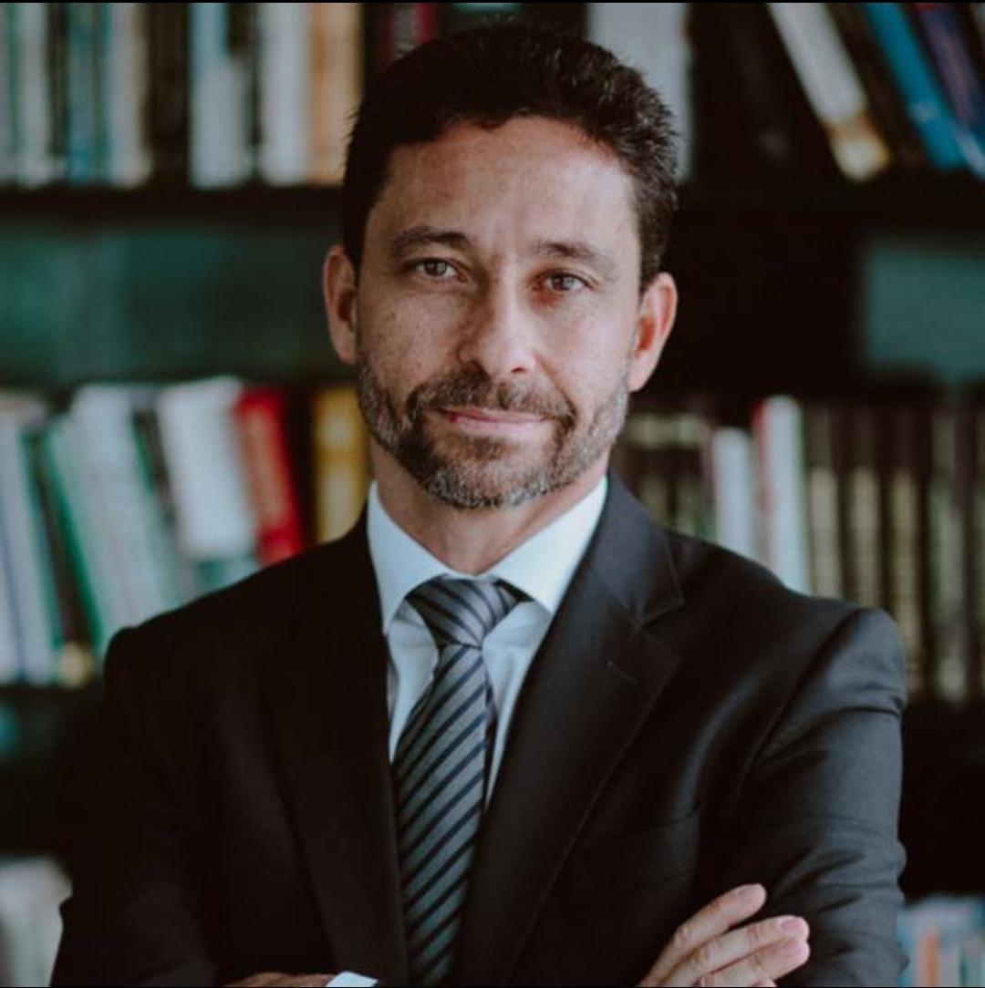 Membro do conselho: Roberto L. Figueiredo Santos Jr.