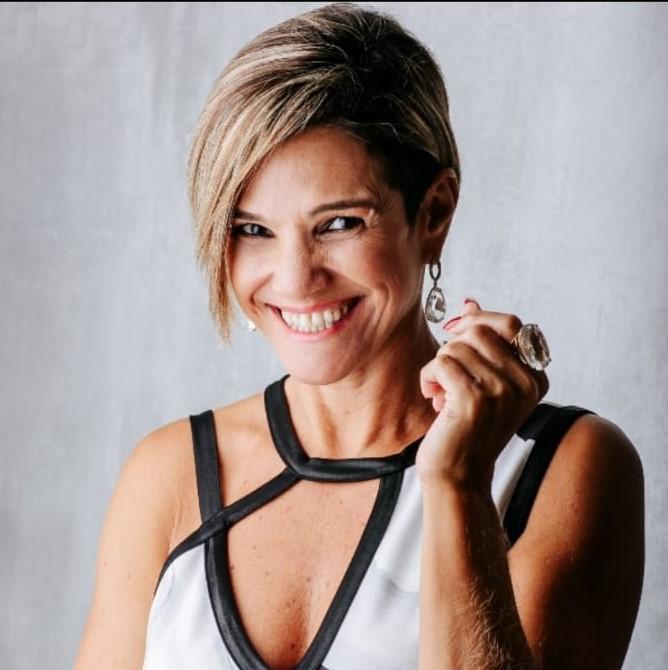 Membro do conselho: Mari Batista