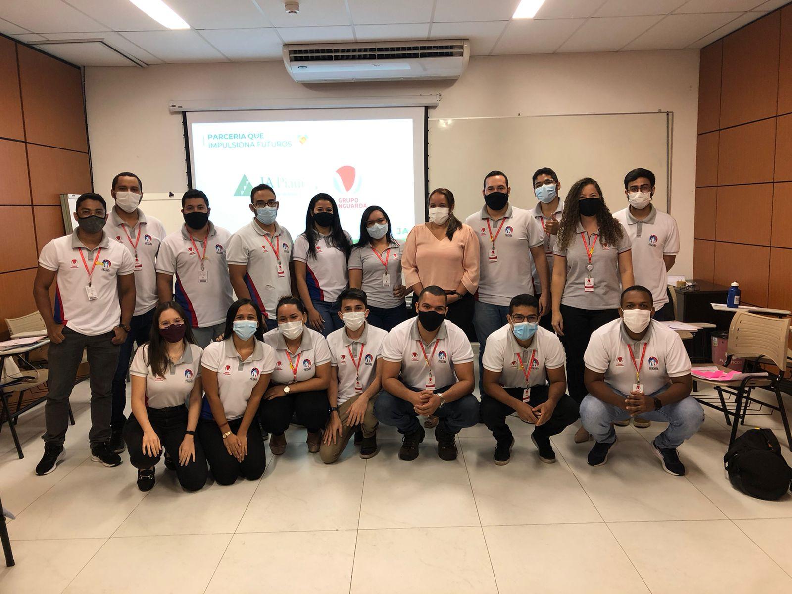 JA Piauí aplica programa para trainners